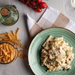 Rigatoni with artichoke, peas, shallots and mascarpone