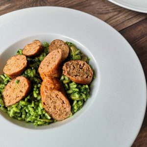 spanish-sausages-spinach-risotto-sauteed-mushrooms